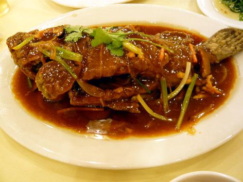 海南島旅行 食事編 東郊椰林海鮮城 魚料理
