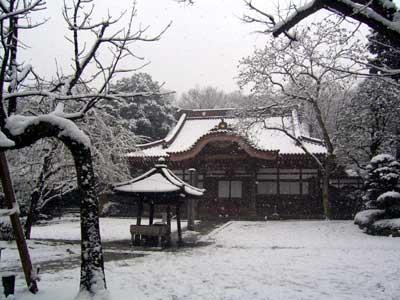 深大寺の雪化粧
